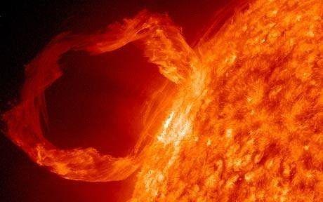 太陽で燃えた天体